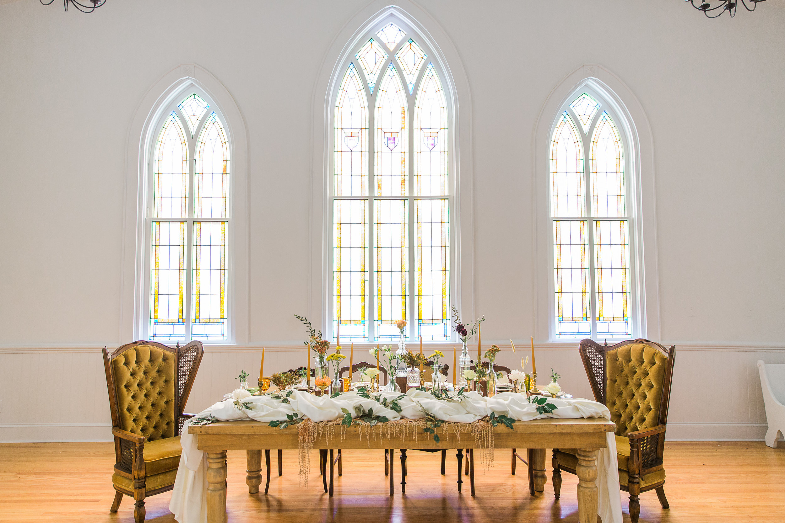 Sunset Hued Head table at The Trinity Chapel by The Copper Quail