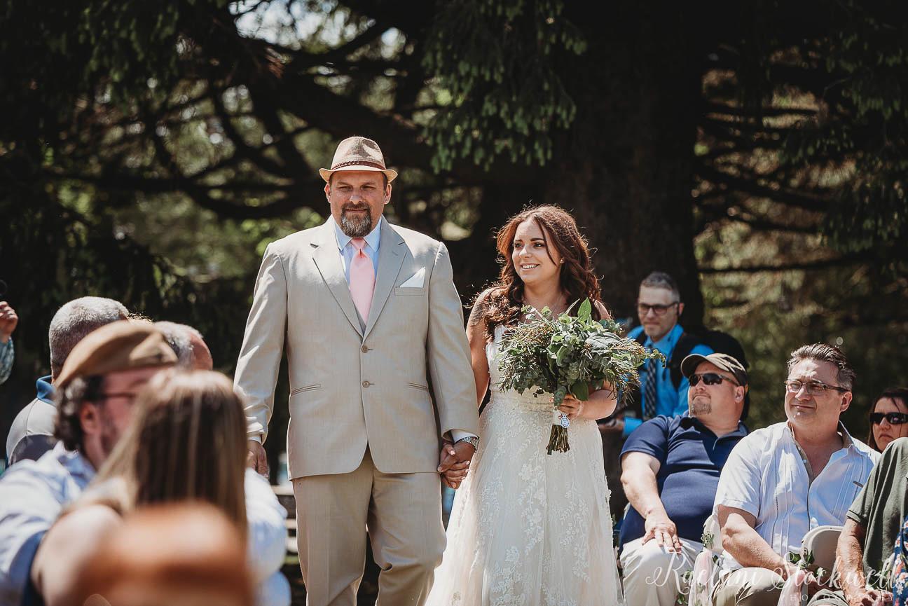 Outdoor Michigan Wedding Photographer.jpg
