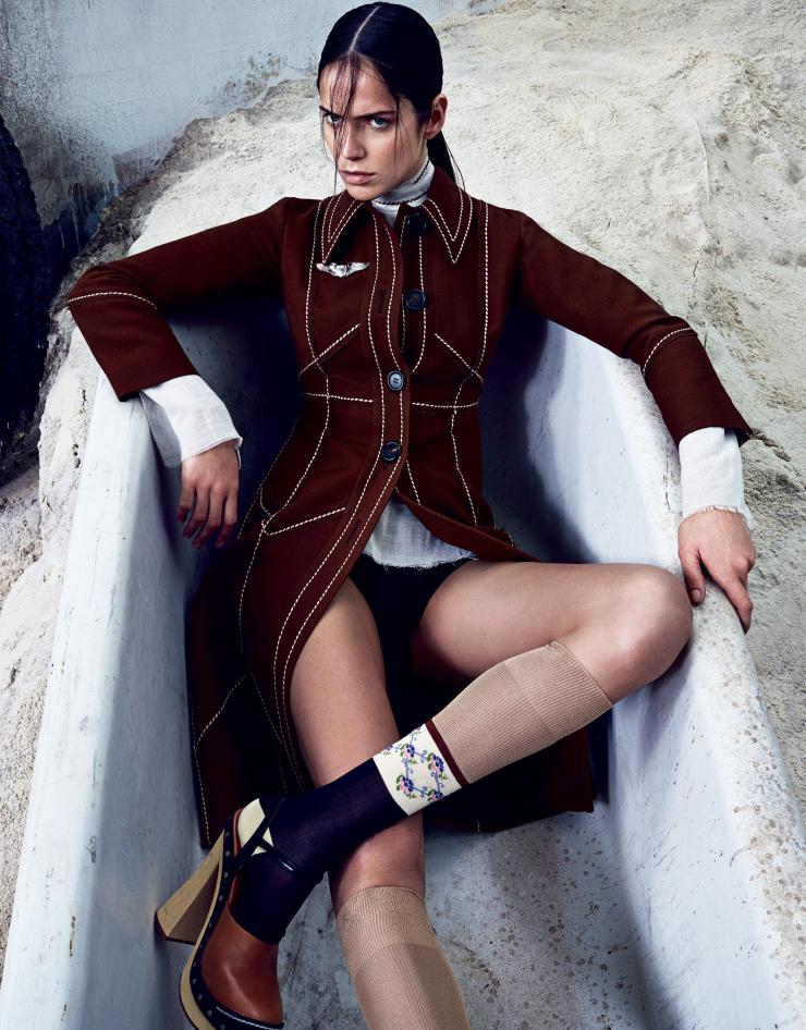 Giovanna-Battaglia-Vogue-Japan-May-2015-A-Uniform-Way-Of-Life-2.jpg