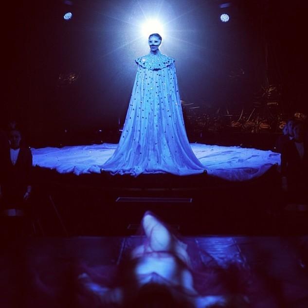 Giovanna-Battaglia-Queen-Of-The-Night-021.jpg