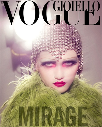 Giovanna-Battaglia-Vogue-Gioiello-30-Thirty-Years-of-Golden-Dreams-4-Sofia-Sanchez-Mauro-Mongiello-Mirage.jpg