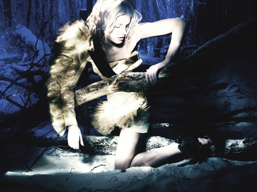 Giovanna-Battaglia-14-The-White-Fairy-Tale-Natalia-Vodianova.jpg