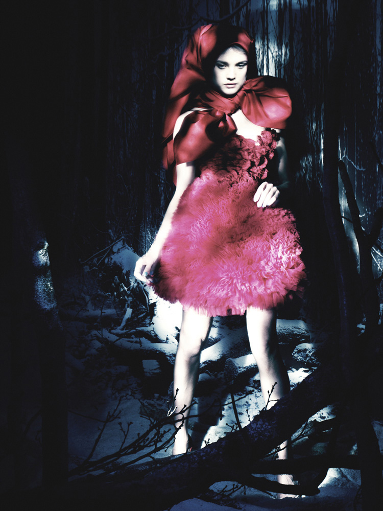 Giovanna-Battaglia-15-The-White-Fairy-Tale-Natalia-Vodianova.jpg