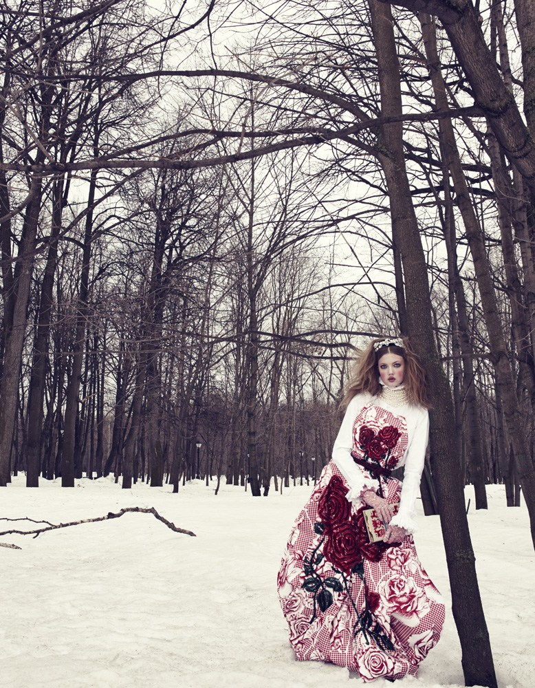 Giovanna-Battaglia-3-The-Anastasia-of-Winter-Vogue-Japan-Emma-Summerton.png