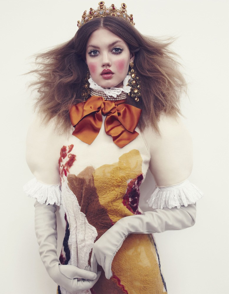 Giovanna-Battaglia-6-The-Anastasia-of-Winter-Vogue-Japan-Emma-Summerton.png