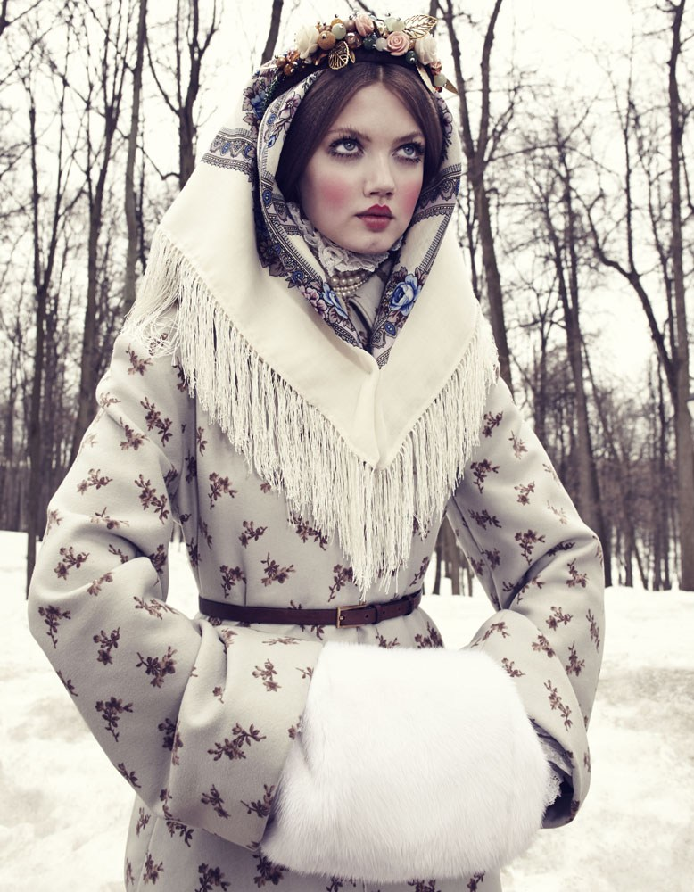 Giovanna-Battaglia-10-The-Anastasia-of-Winter-Vogue-Japan-Emma-Summerton.png
