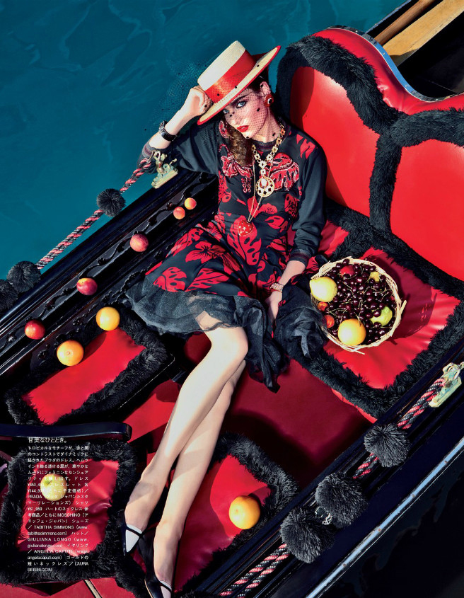 Giovanna-Battaglia-4-My-Fascination-with-Venice-Vogue-Japan-Pierpaolo-Ferrari.jpg