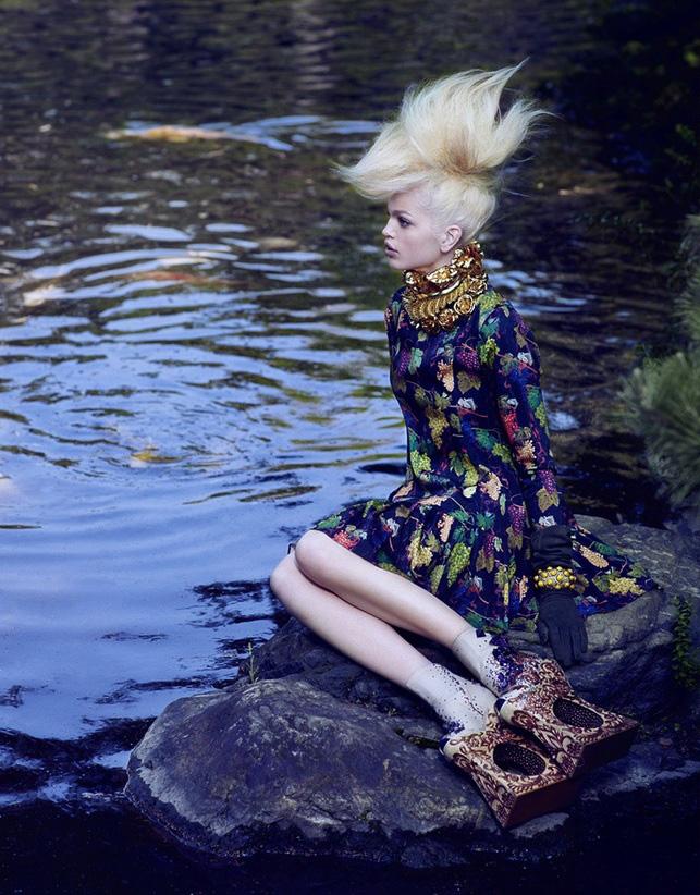 Giovanna-Battaglia-5-The-Secret-Chatter-of-Golden-Monkeys-Vogue-Japan-Mark-Segal.jpg