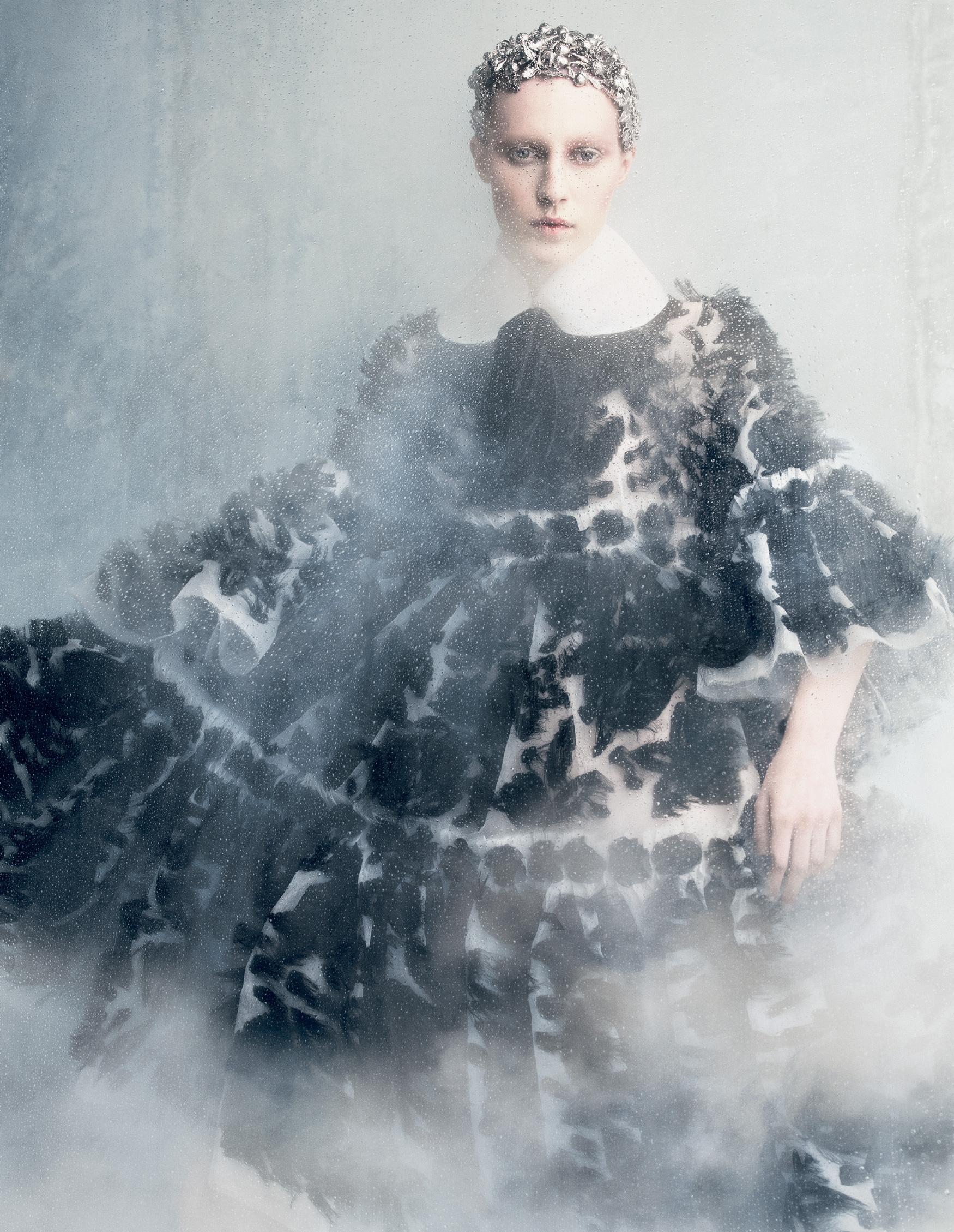 Giovanna-Battaglia-Tales-Of-Magic-And-Innocense-Vogue-Japan-Daniel-Iango-V181_150_200.jpg