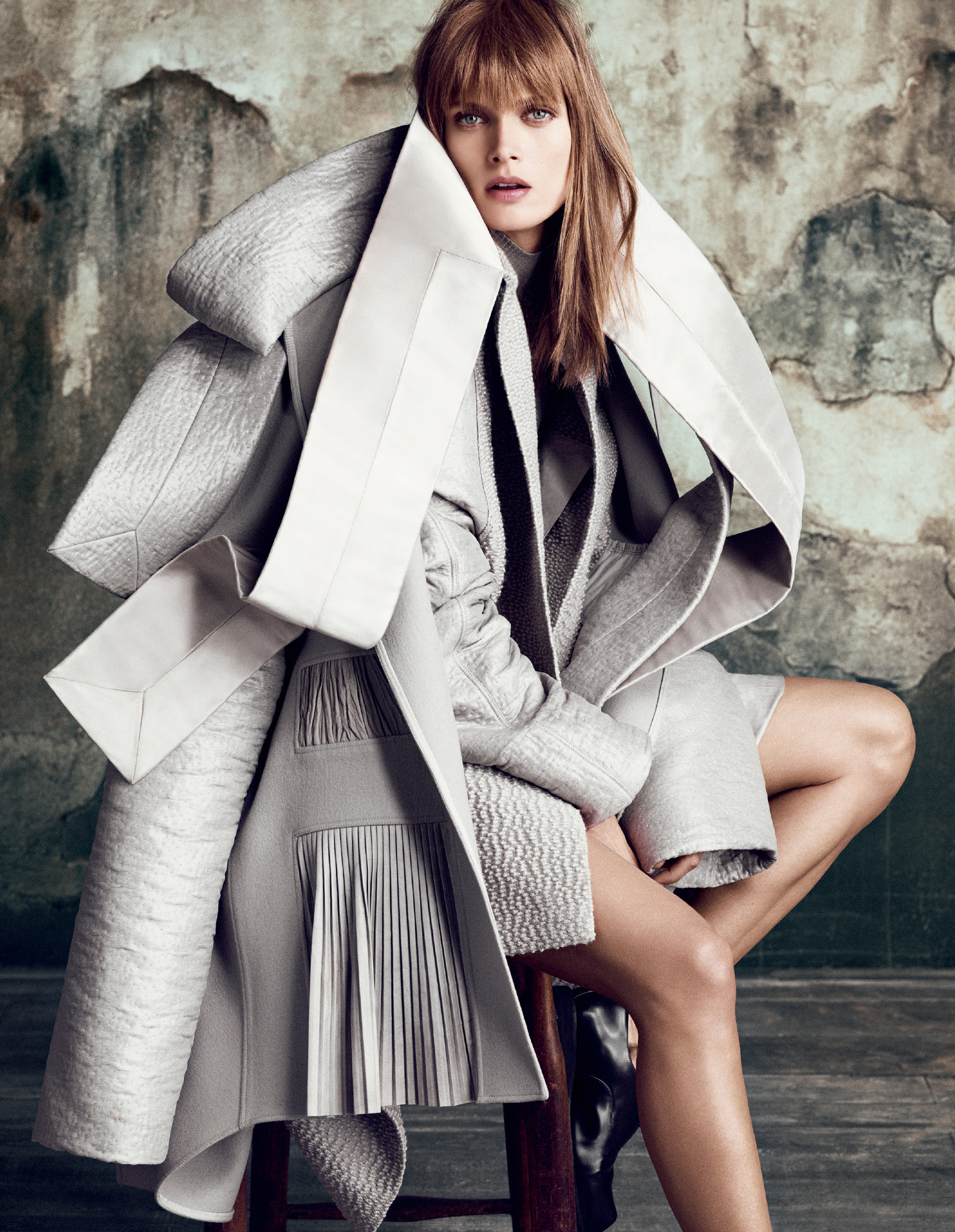 Giovanna-Battaglia-The-Icons-Of-Perfections-Vogue-Japan-15th-Anniversary-Issue-Luigi-Iango-V181_238_200-27-2.jpg