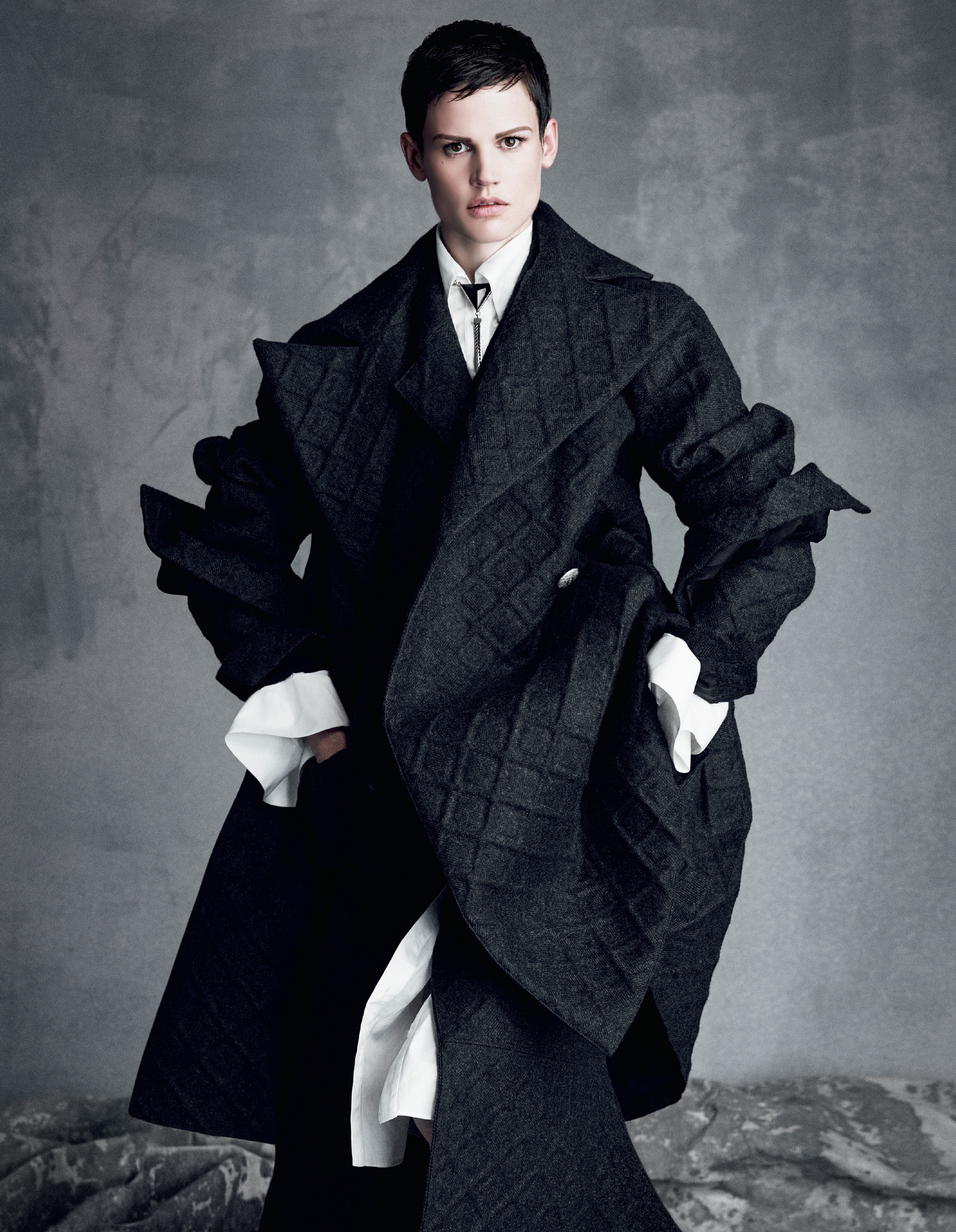 Giovanna-Battaglia-The-Icons-Of-Perfections-Vogue-Japan-15th-Anniversary-Issue-Luigi-Iango-V181_251_200-17.jpg