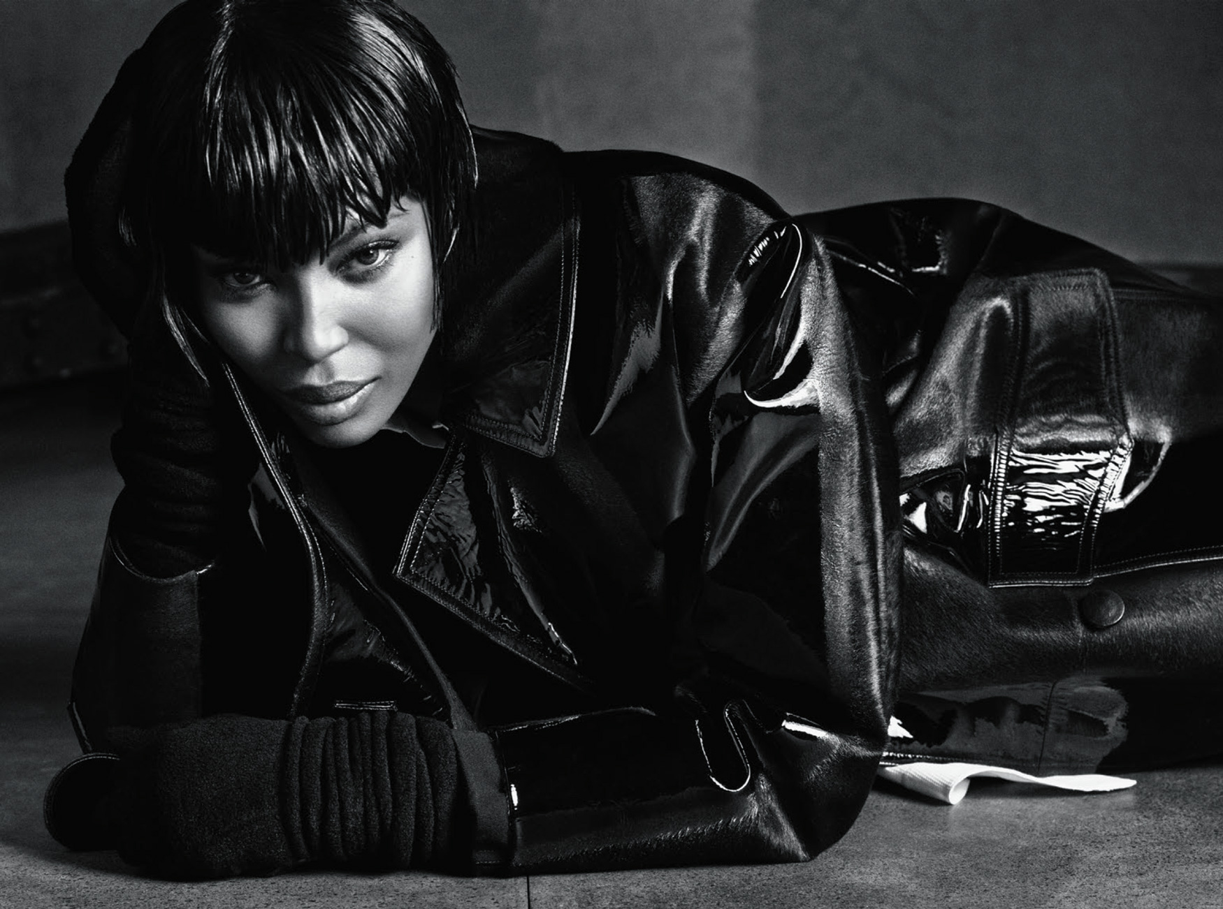 Giovanna-Battaglia-The-Icons-Of-Perfections-Vogue-Japan-15th-Anniversary-Issue-Luigi-Iango-V181_256_200-12.jpg