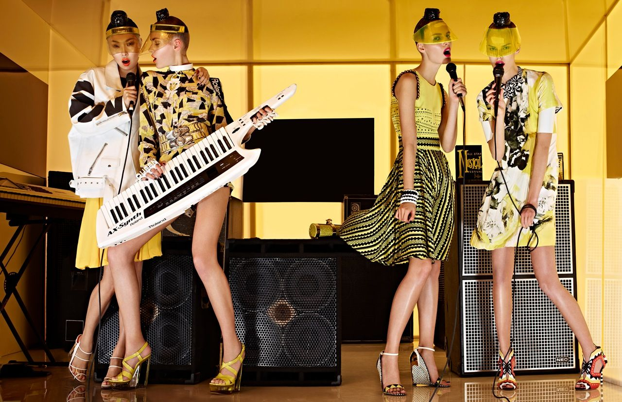 Giovanna-Battaglia-4-Girls-in-the-Band-Vogue-Japan-Sharif-Hamza.jpg