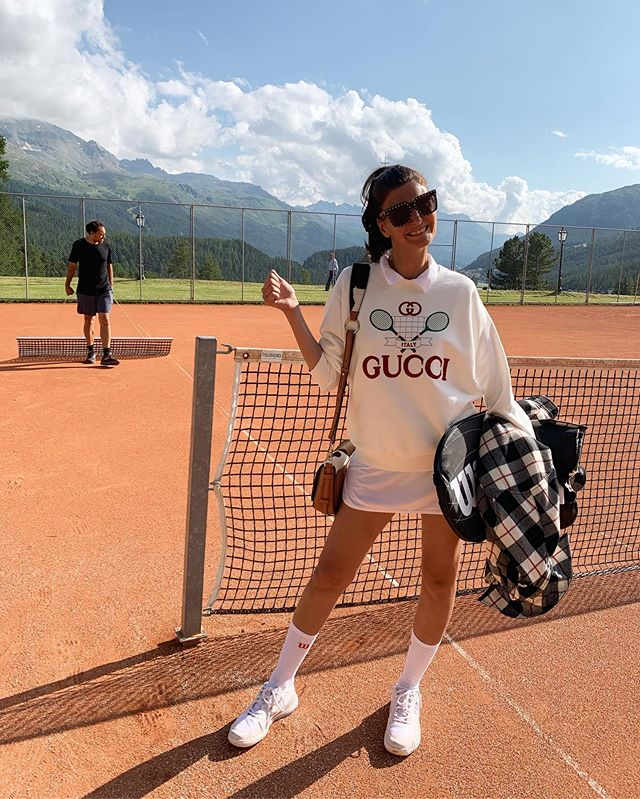 Playing tennis after pregnancy is like playing in someone else's body ... but will get back at it .... and buying a new Gucci sweatshirt will help the motivation 🤪
