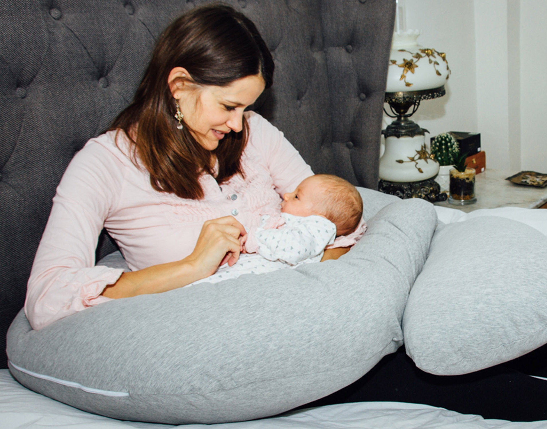 Some of our lovely models with our maternity pillow!