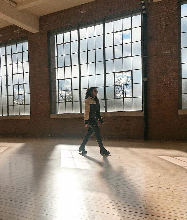 #motivationmonday: strut into the future like you're strutting towards a buffet🔥