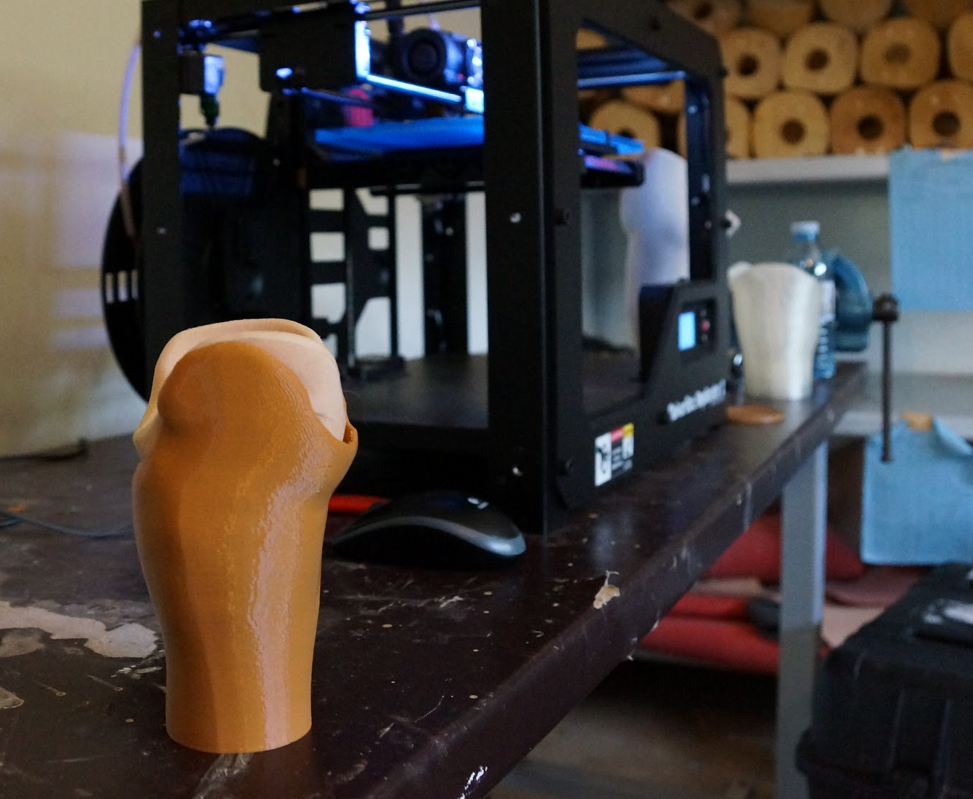 prosthetic_with_makerbot.png
