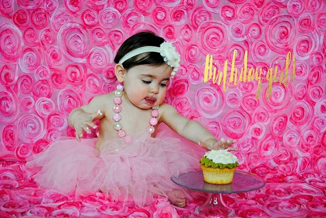 Absolutely in love with these adorable #SmashCake photos. Check out the rest on the blog! http://www.aubreyrebeccaphotography.com/-toddlers- #SmashCakePhotography #Babies #FirstBirthday #BirthdayGirl #SeattlePhotographer #Cute