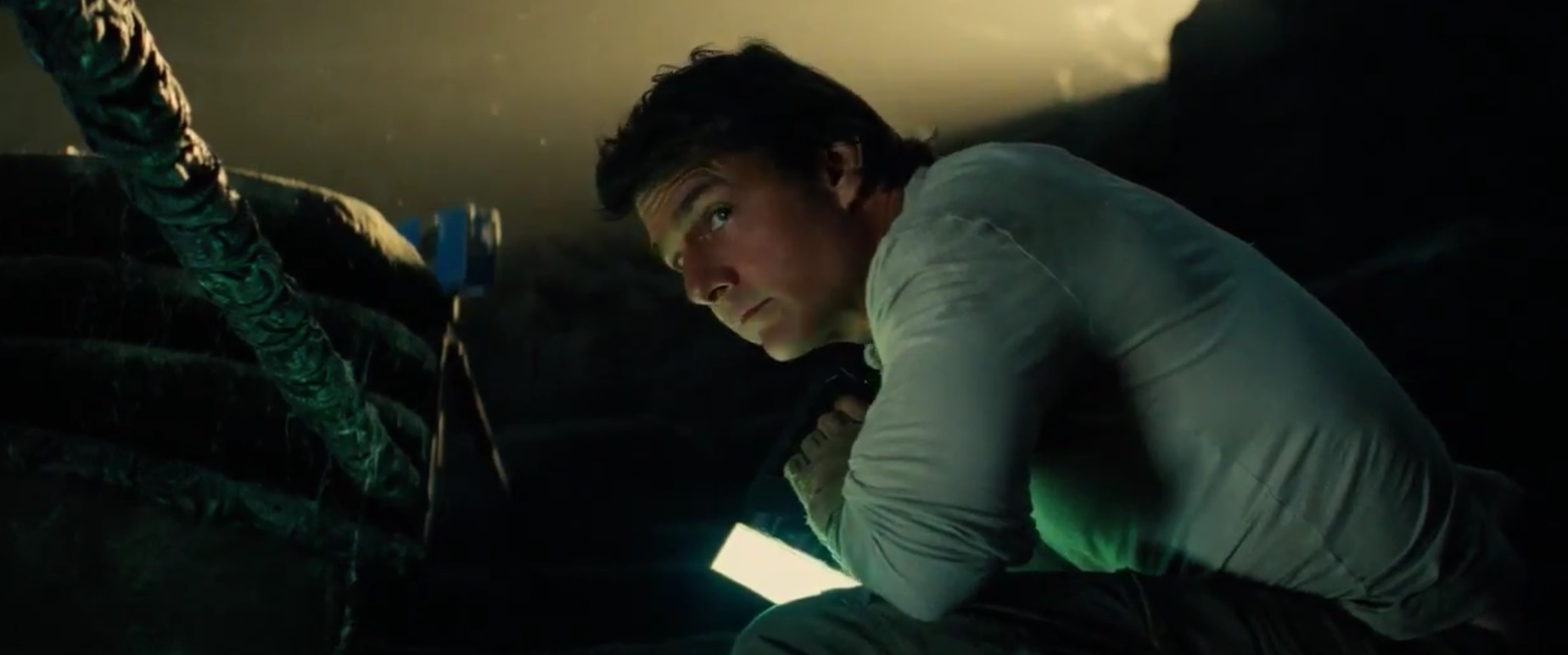 Tom Cruise should begin the scanning operation before stealing