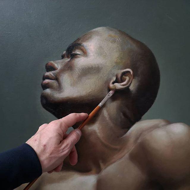 Oil Painting Portrait of @_____elzo #clairobscur check @elzopics #figurativeart #portraitbycommission #blackbeauty #classicalart #classicalportrait #artsale #contemporaryart #loveafrica