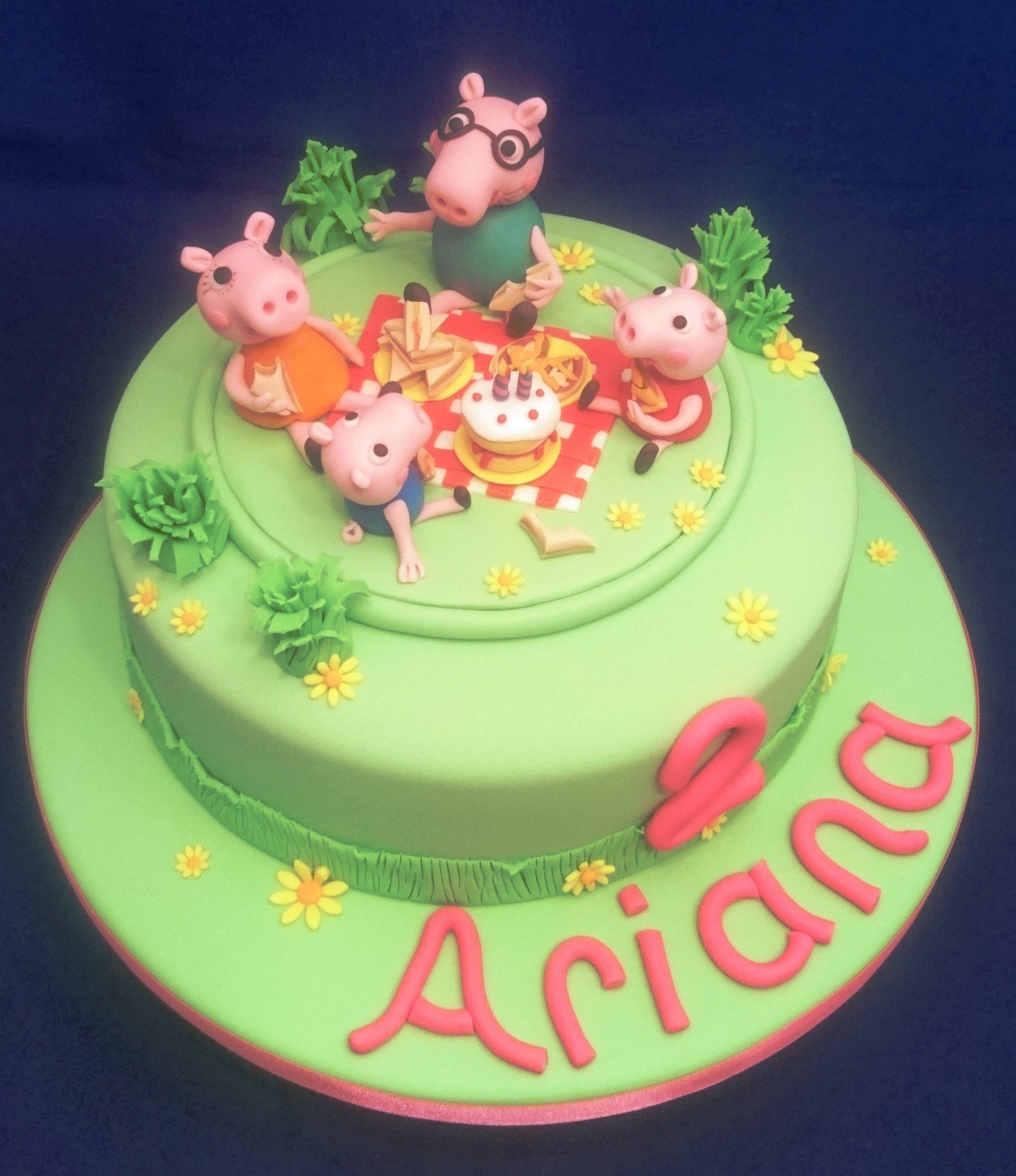 a-Peppa Pig Cake.JPG