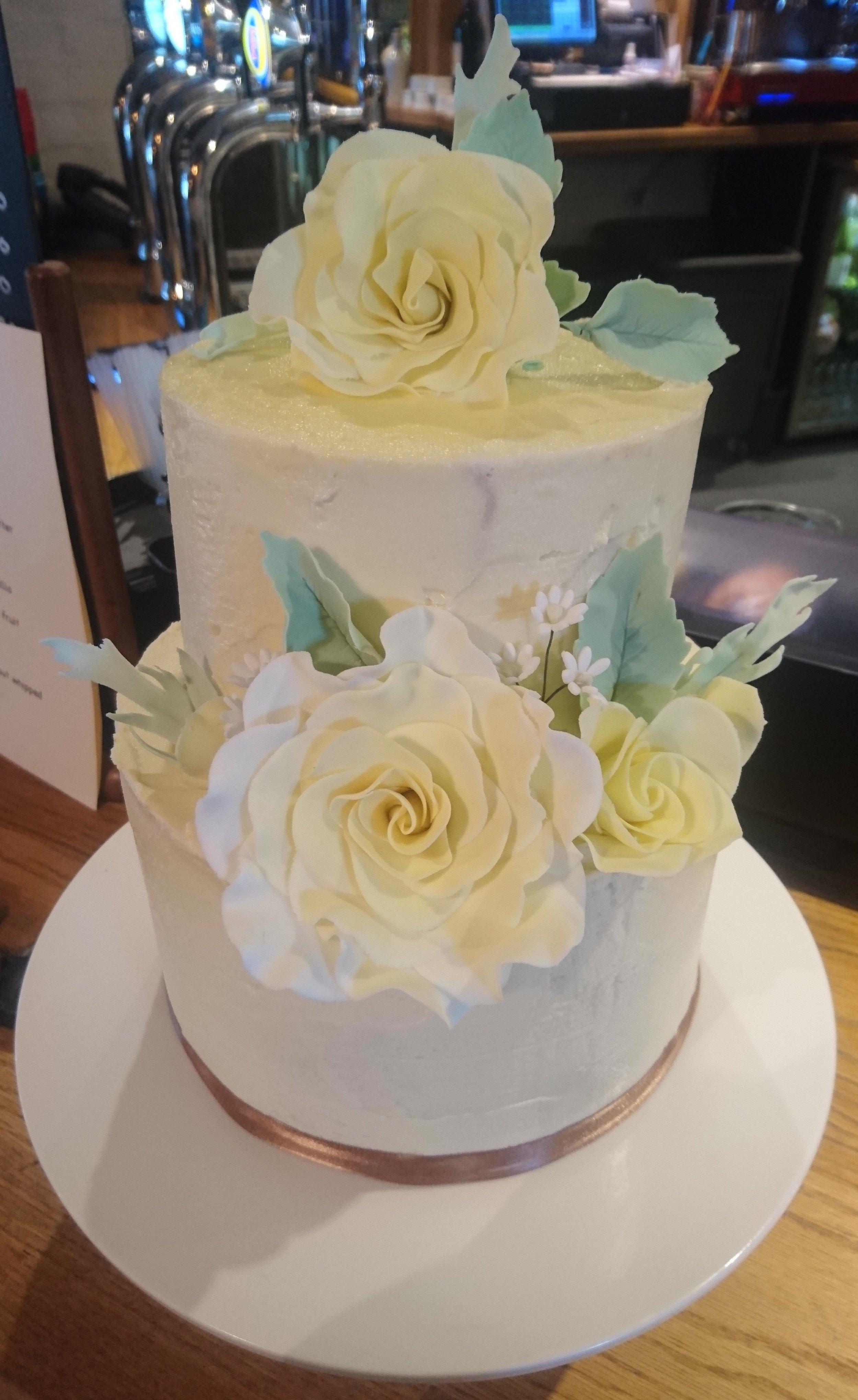 Small Informal Wedding Cake.JPG