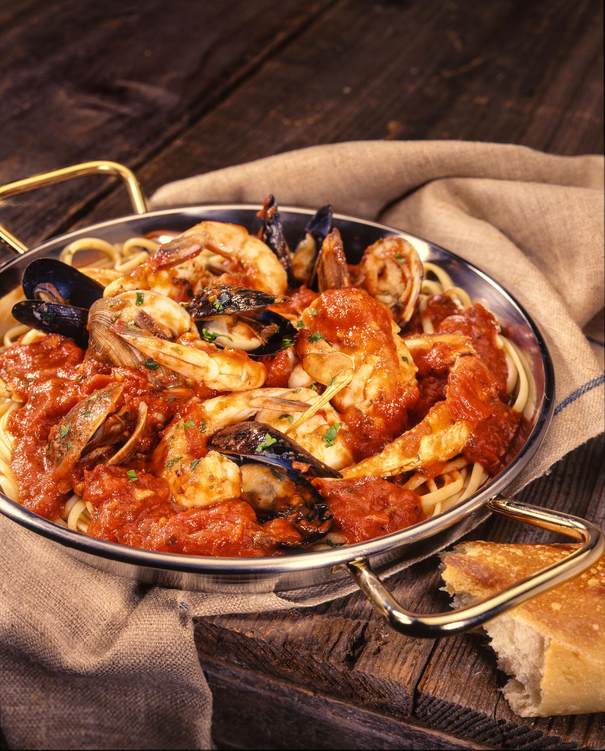 03 Cioppino,-Fish-Grotto-Cookbook--copy-small.jpg