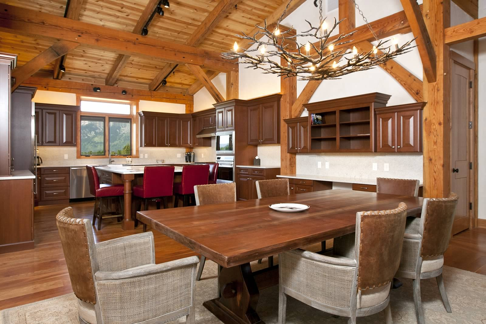 14 - Dining Room.jpg