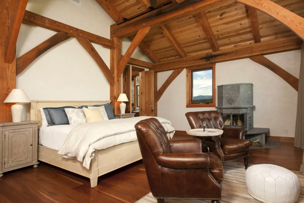 timberframe bedroom