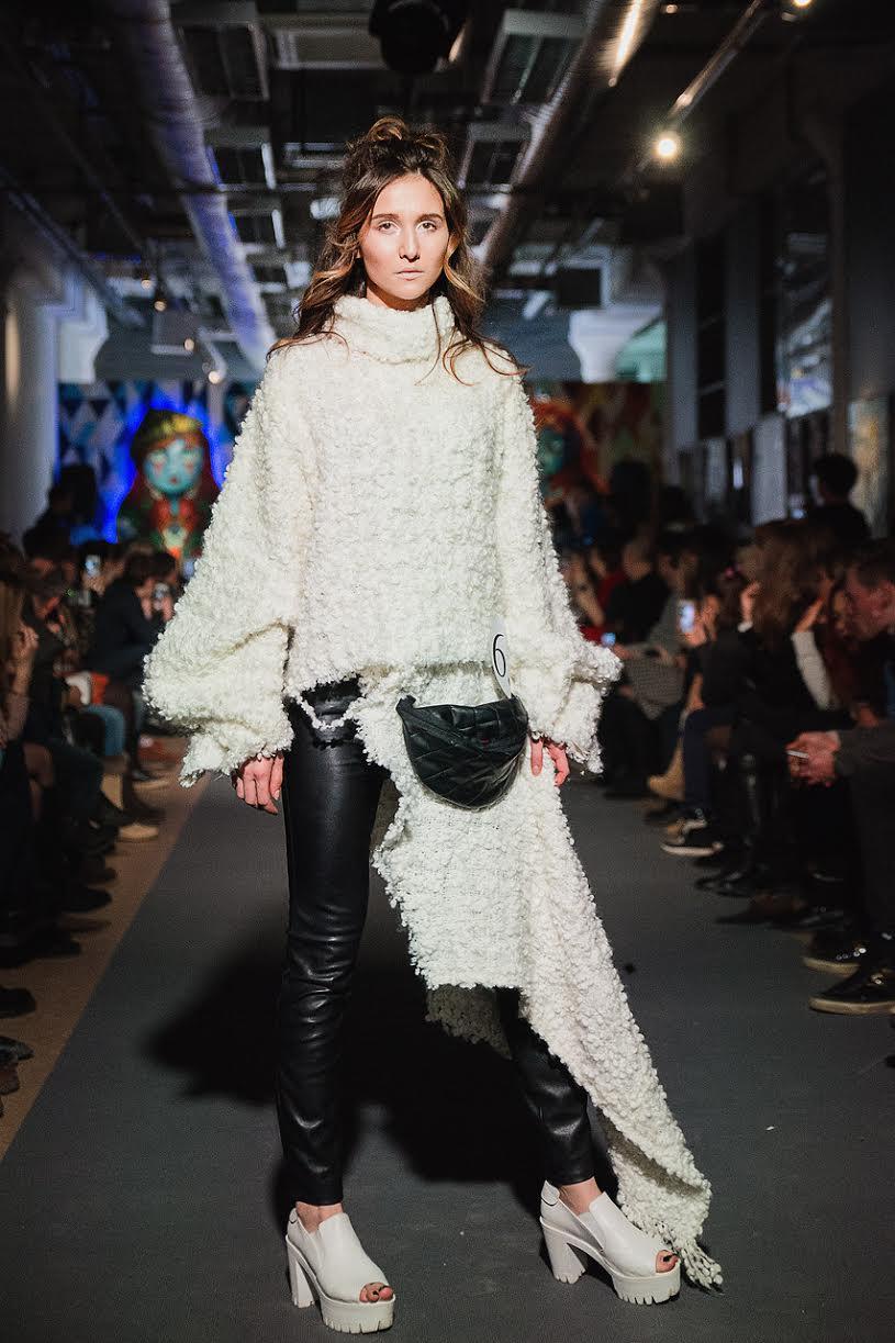 Model - Evgeny Potapchuk. Clothes -MARY KLÖ. Jeans - H&M