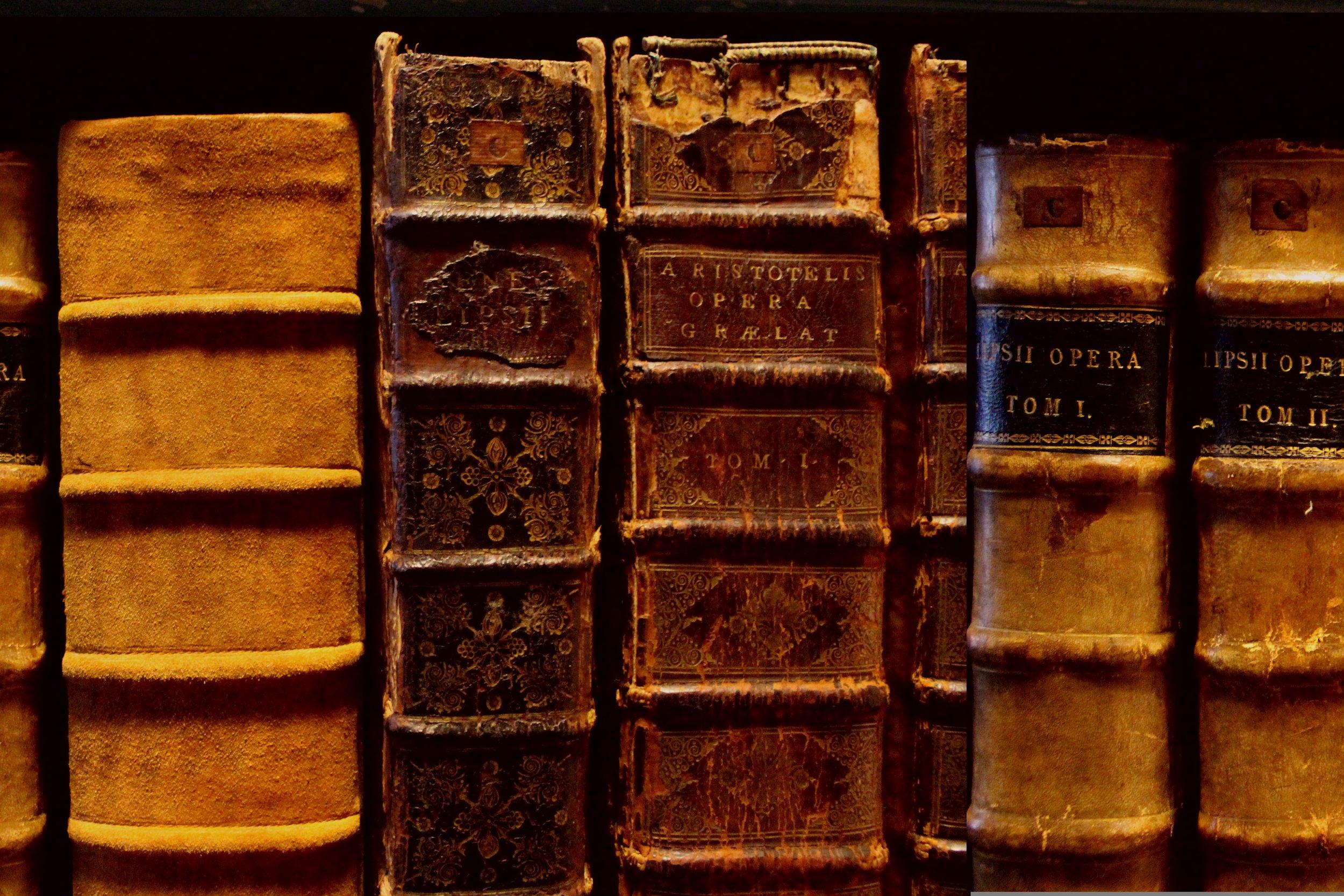 books-1998227.jpg