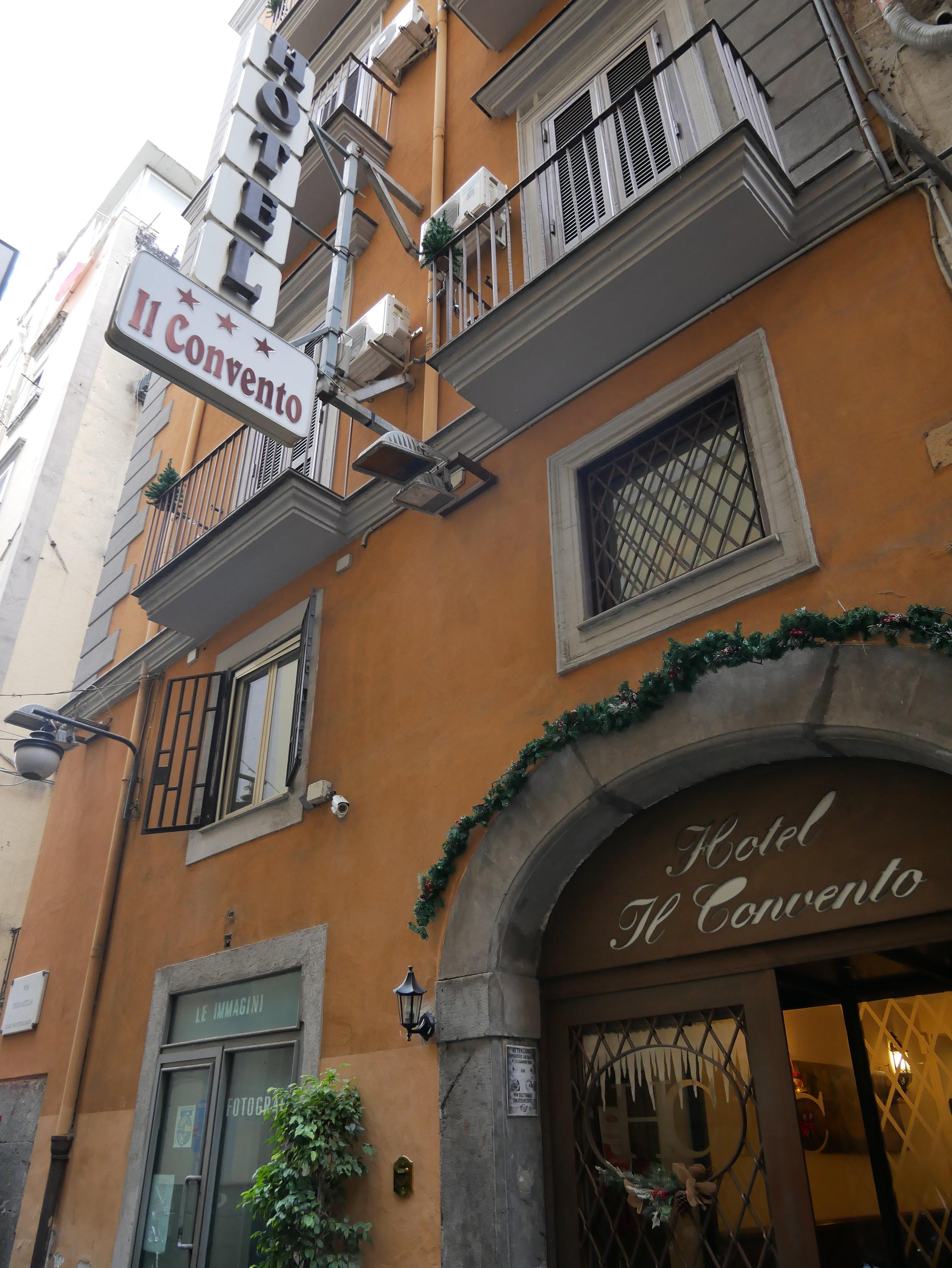Hotel Il Convento Naples exterior.jpg
