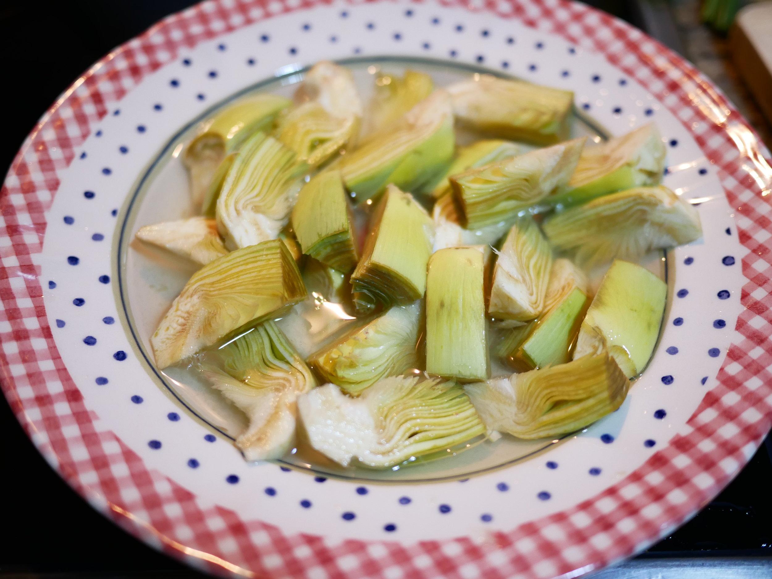 Spring paella artichokes