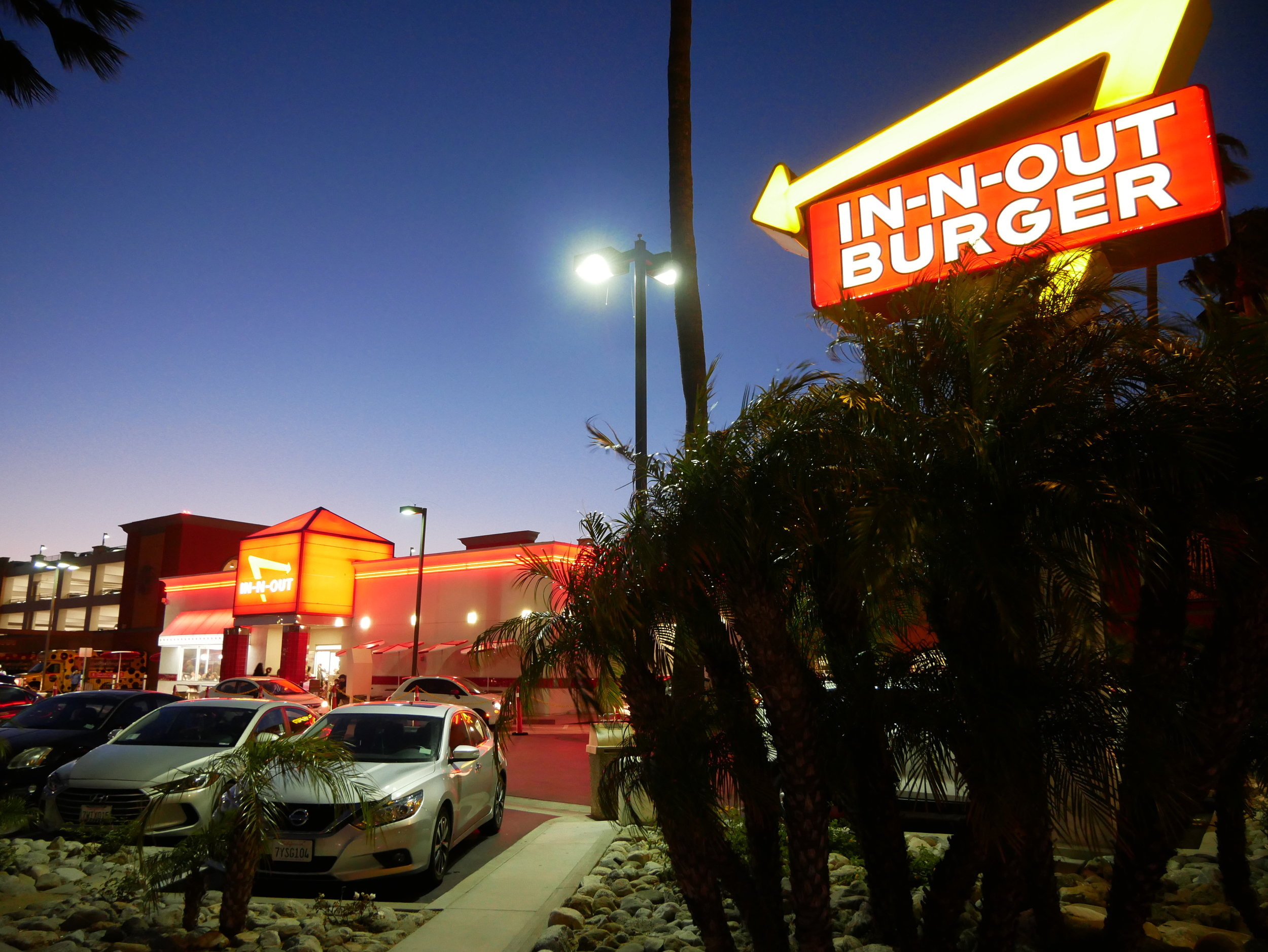In-N-Out exterior
