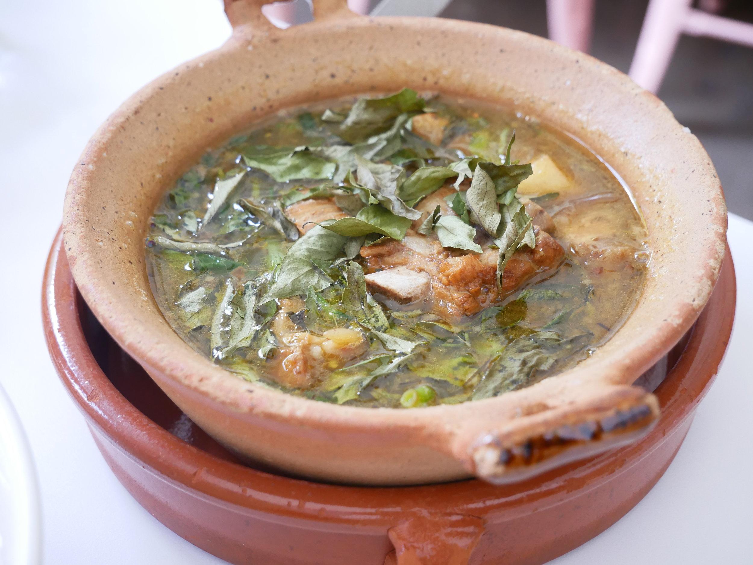 Nyum Bai machoo kroeung soup