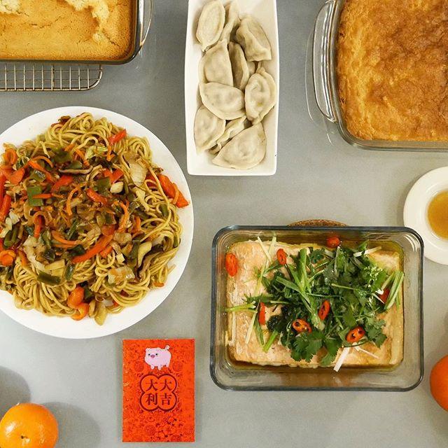"🧧 Happy Chinese New Year! ""豬""事順利! . . . . . #longevitynoodles #porkandcelerydumplings #salmonwithgingerscallionandcilantro #niangao #buttermochi #yearofthepig2019 #chinesenewyear #chinesediaspora #eatingfortheinsta #onmytable #cookingathome #adventuretime #mrpig"