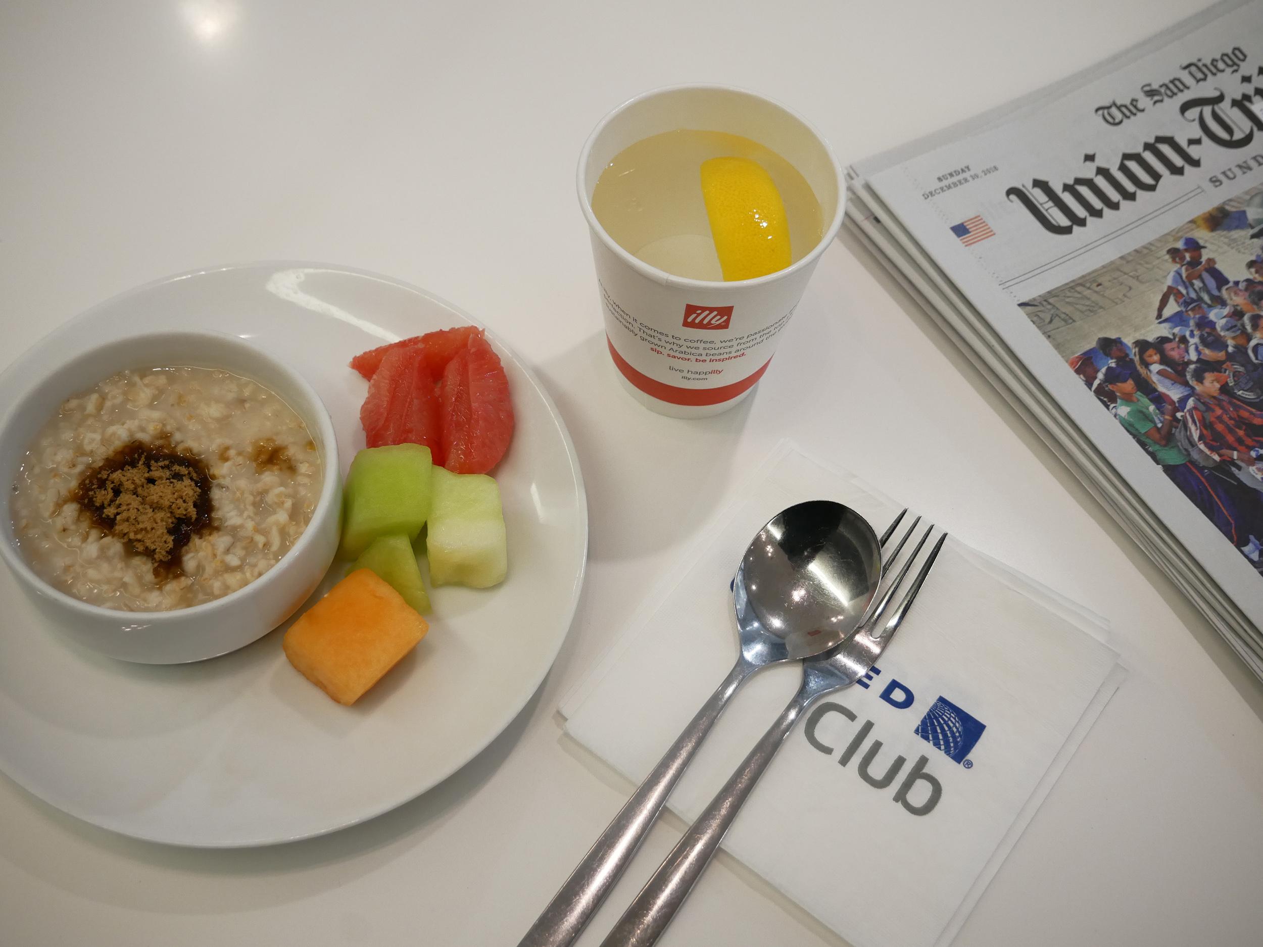 United Club oatmeal.JPG