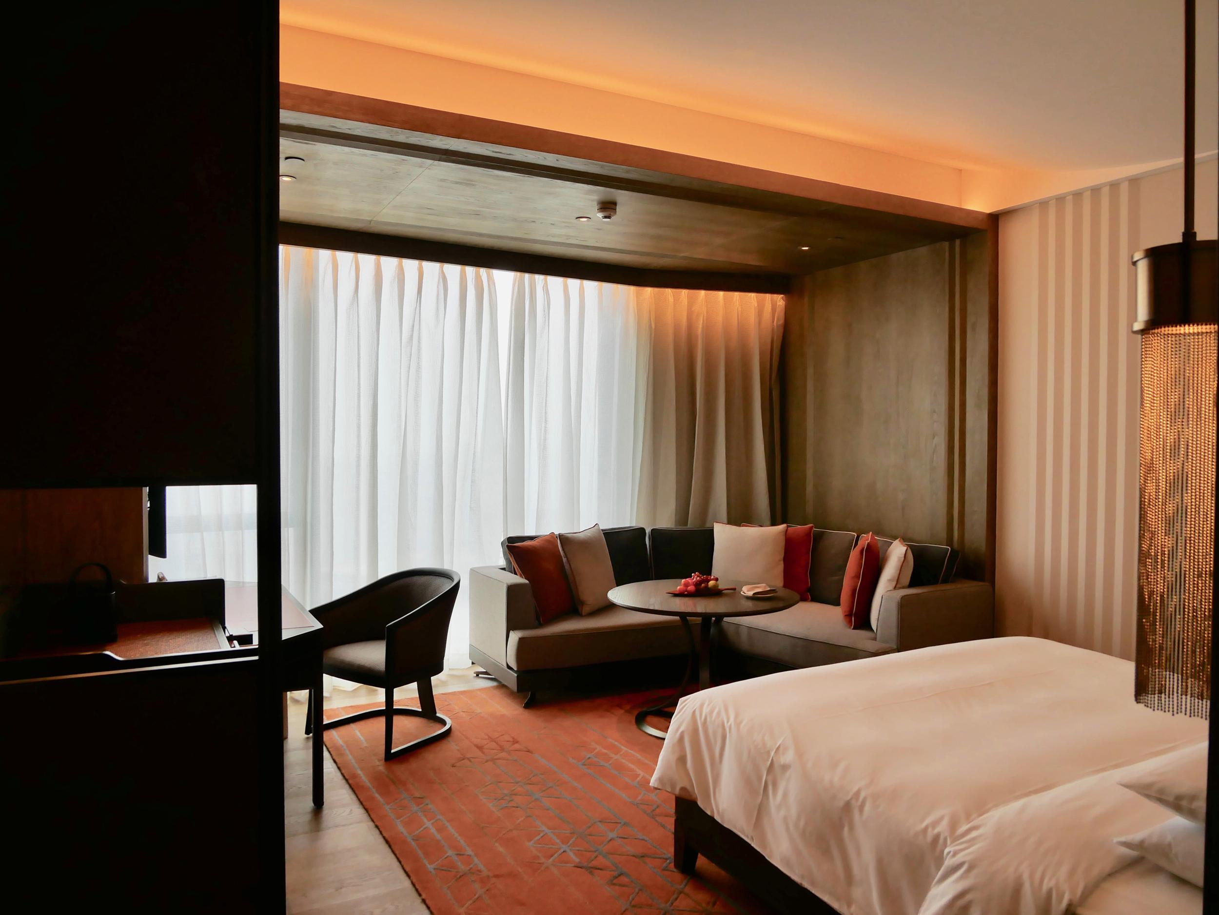Xian Grand Hyatt room.jpg