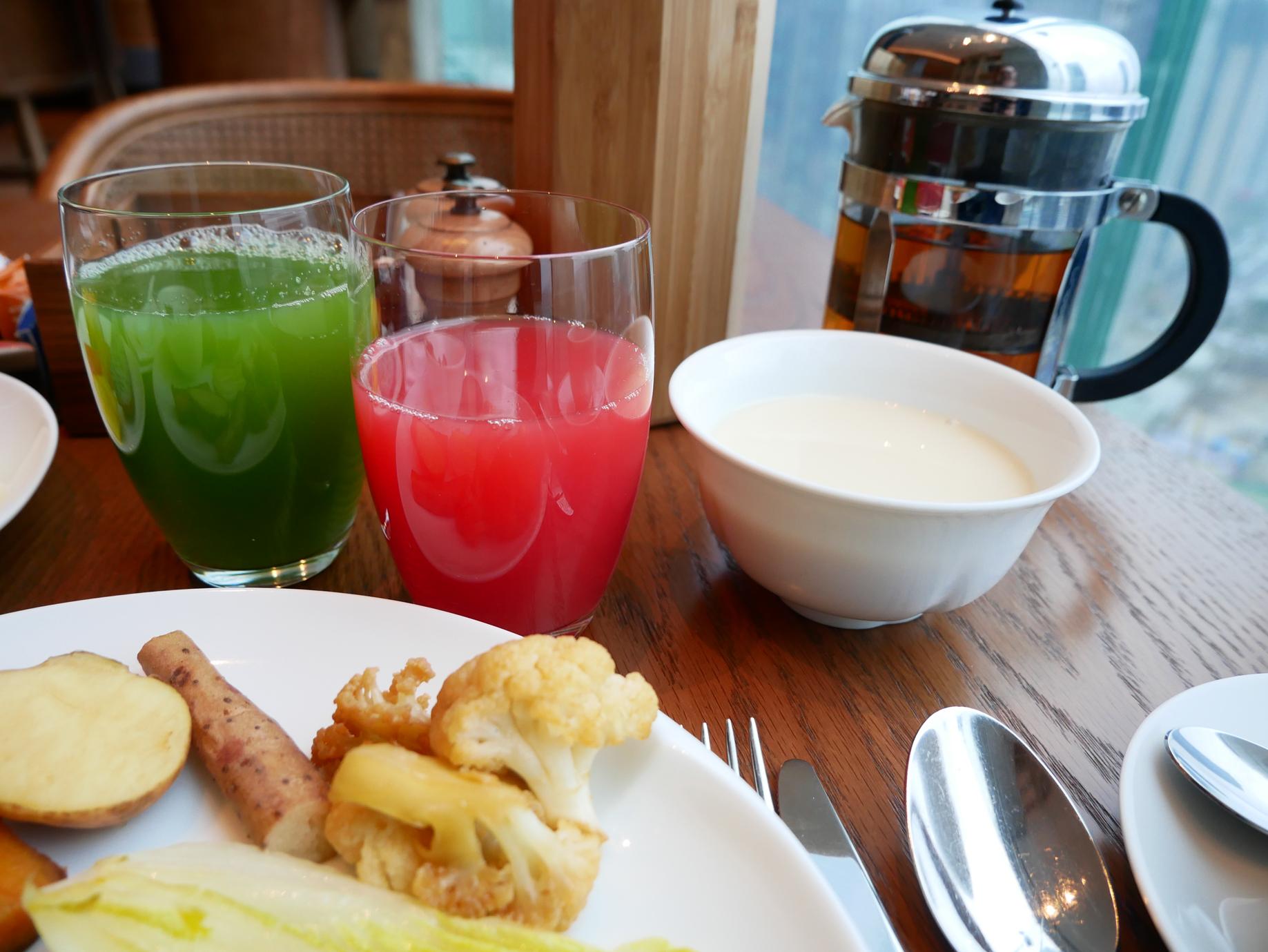 Xian Grand Hyatt breakfast beverages.jpg