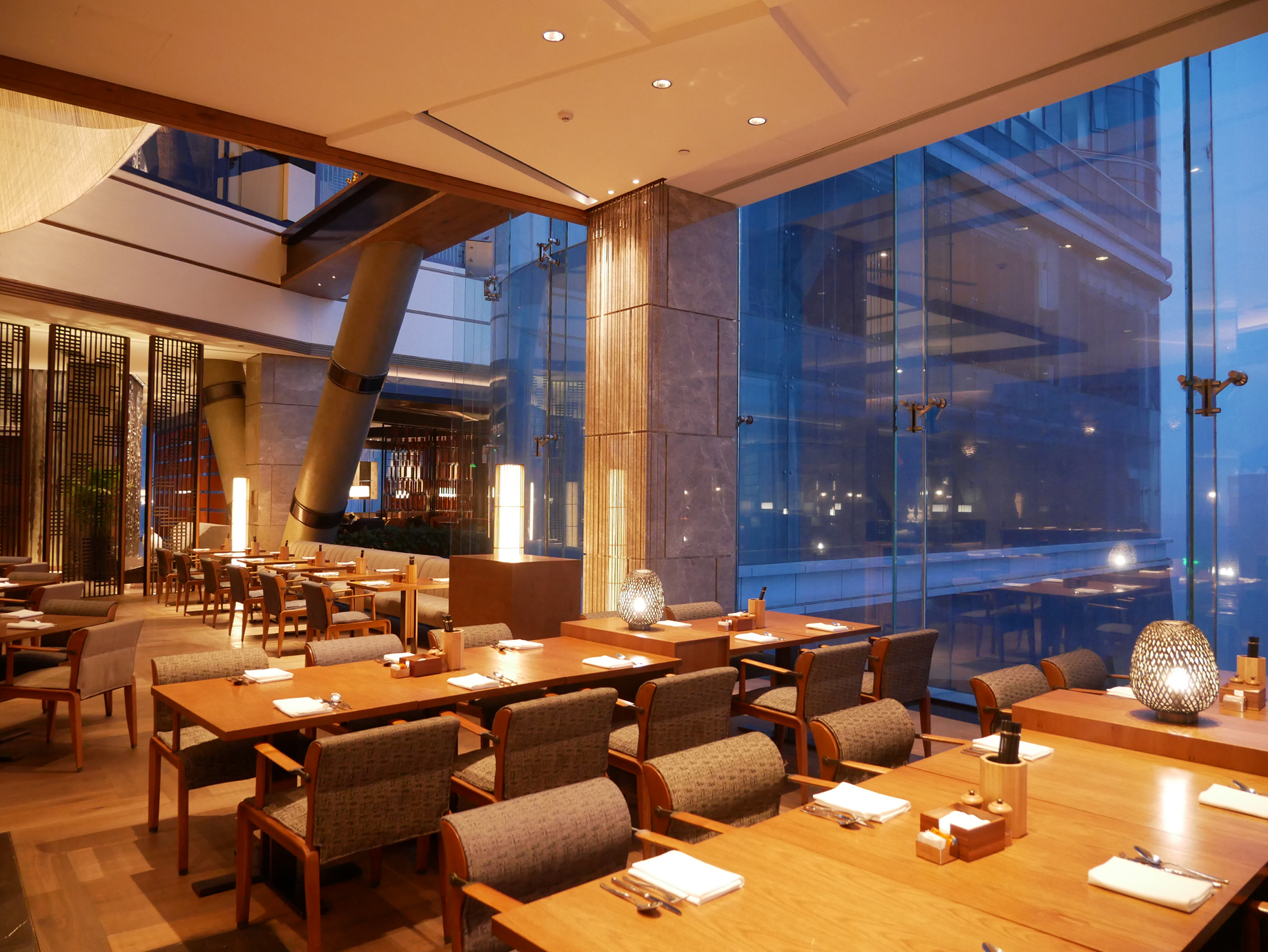 Xian Grand Hyatt breakfast room 2.jpg