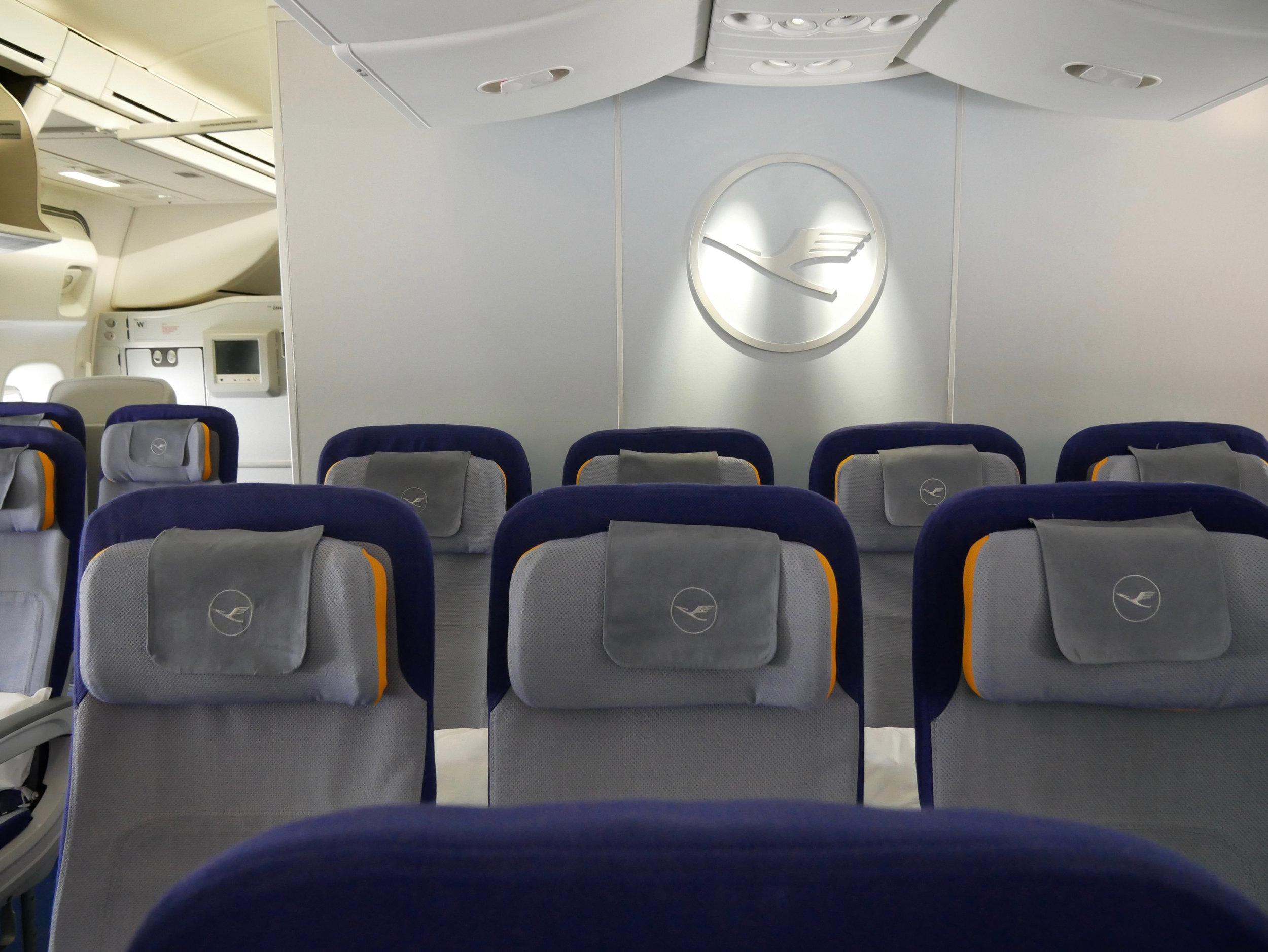 LH 748 interior Y class