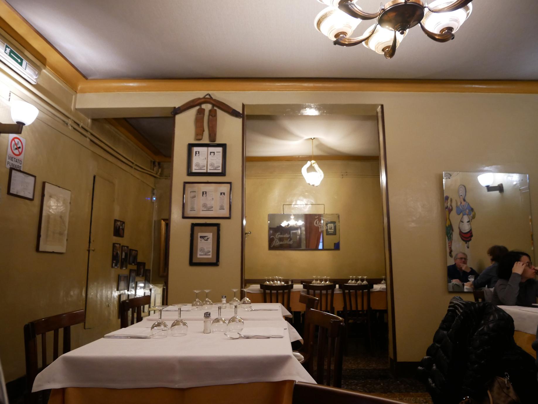 Porto di Savona dining room