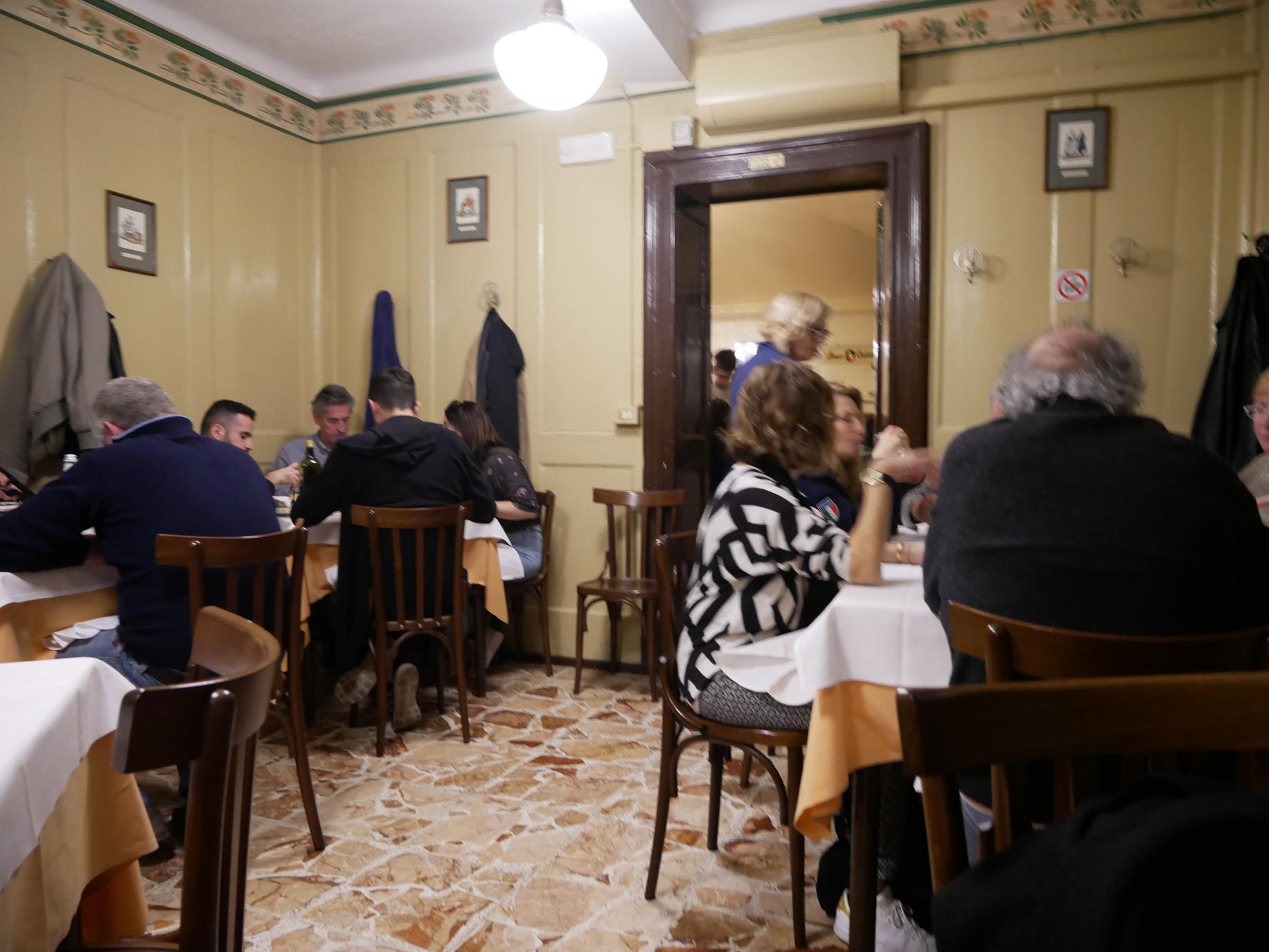 Porto di Savona downstairs dining room