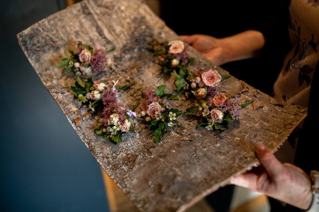 Delicate summer buttonholes by The Flower Story for Dodford Manor