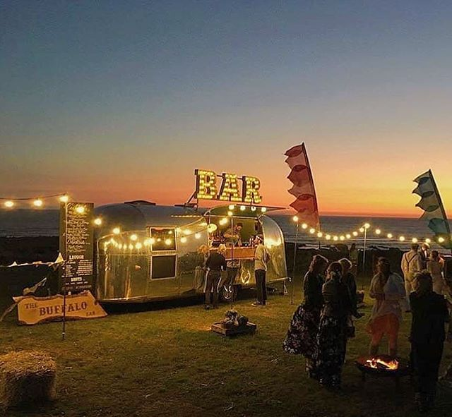 ❤🌅 These things are never long enough are they! Until next year #barefootball... • • • #regram @bluefizzevents