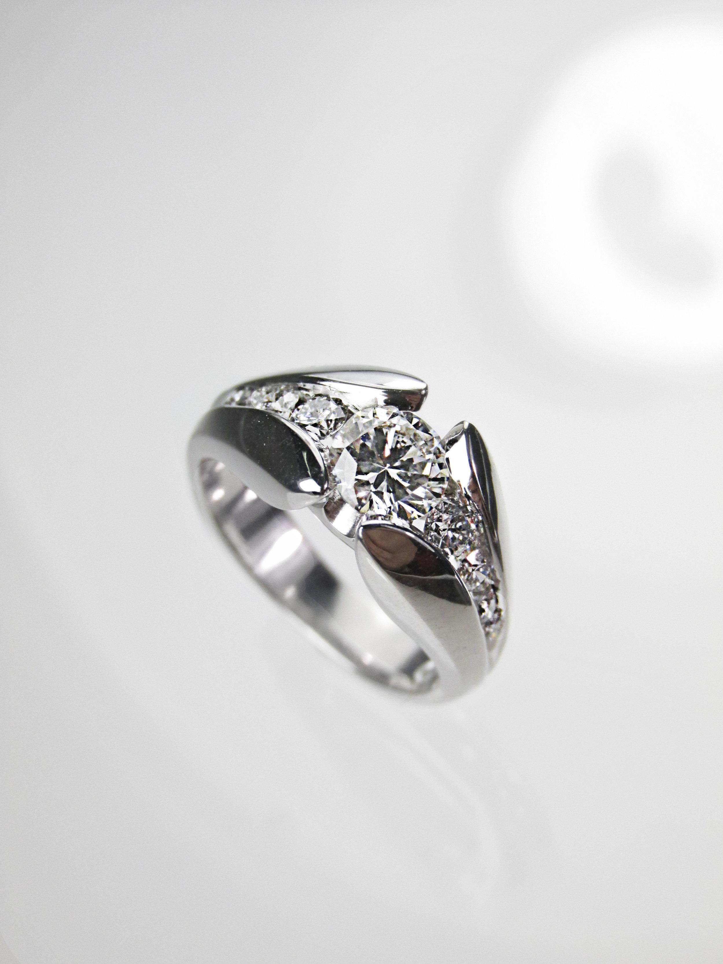 Taylor Signature Modern Engagement Ring