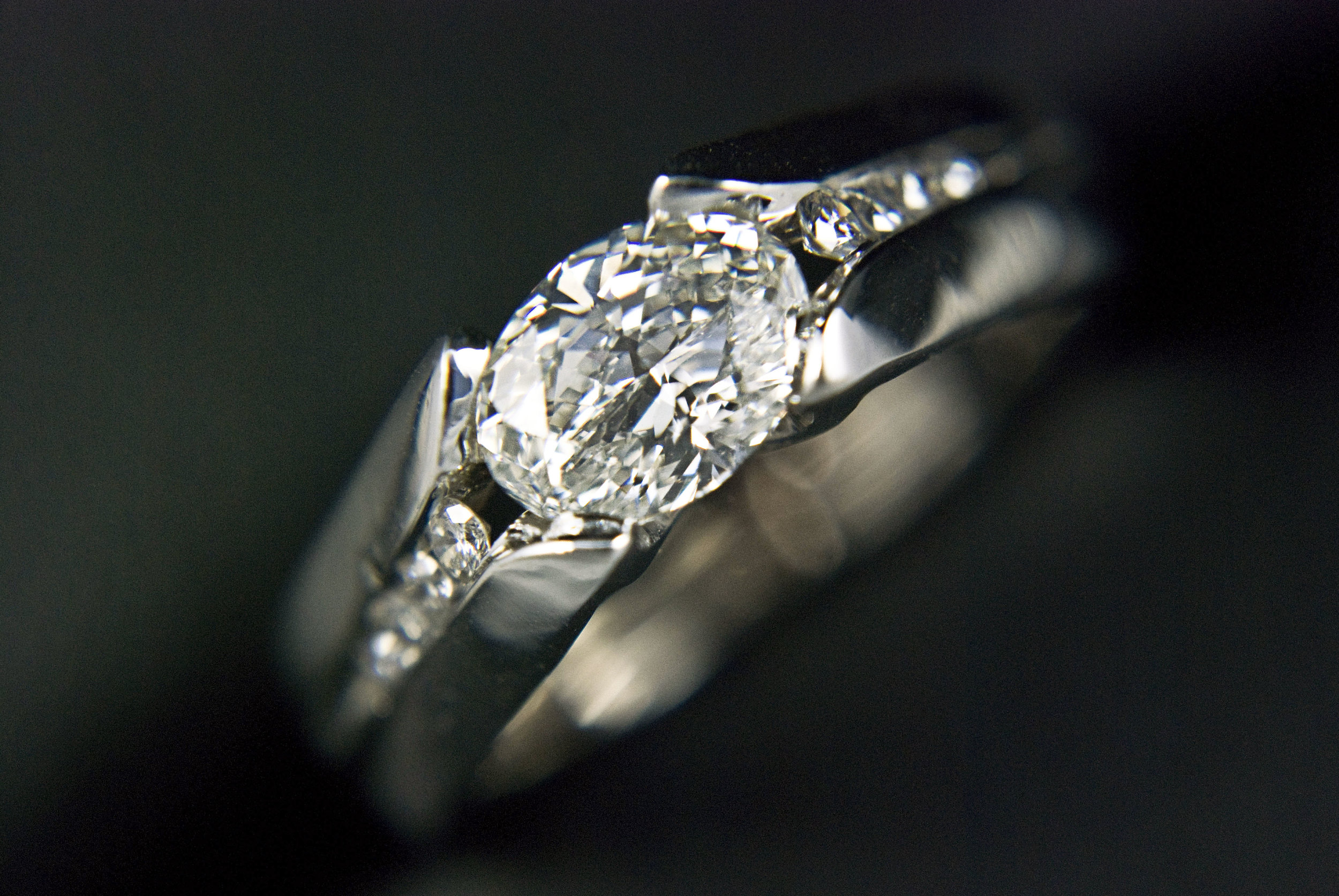 Modern Oval Engagement Ring