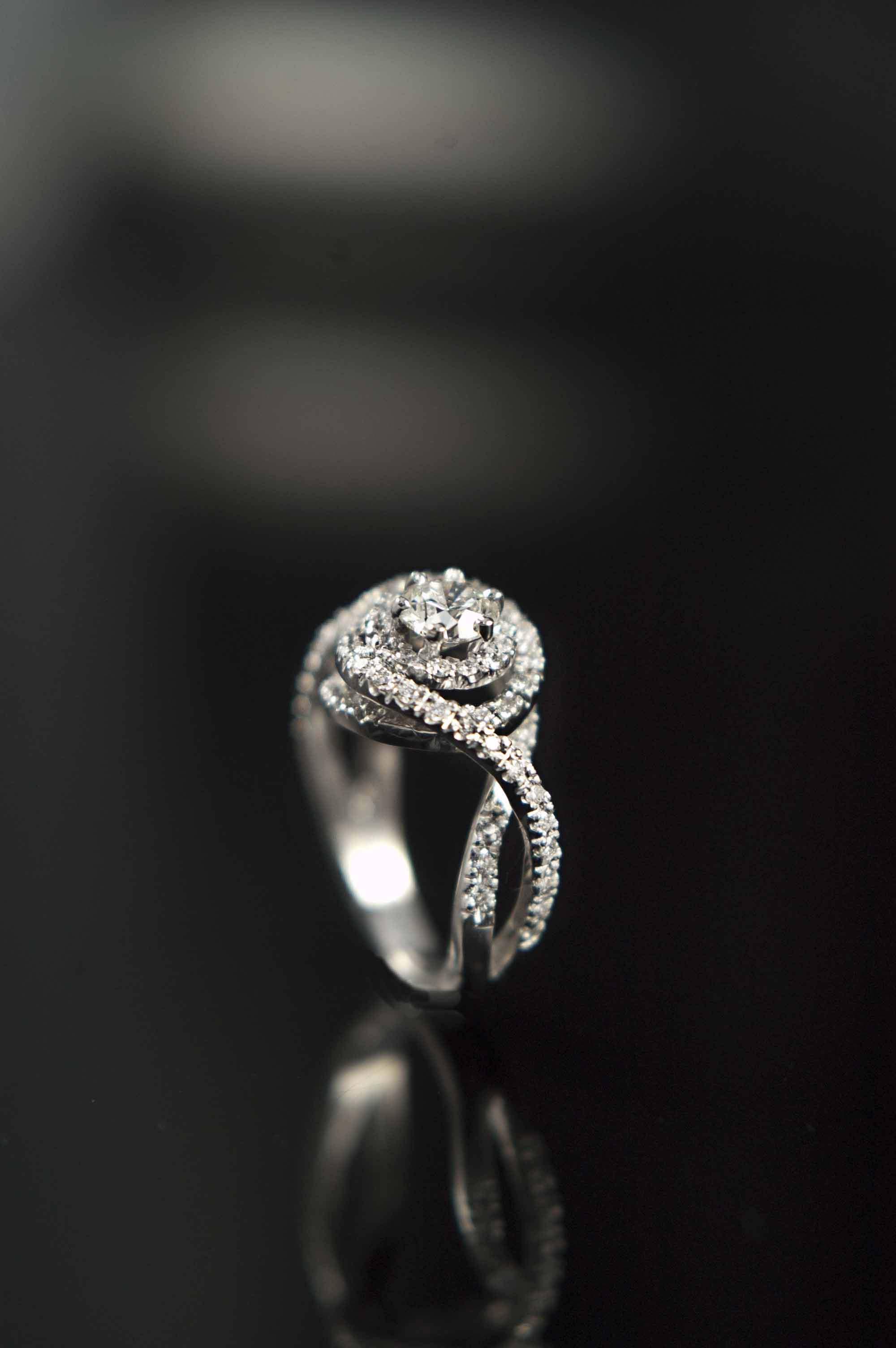 twist_engagement_ring_modern_redford_jewelers.jpg