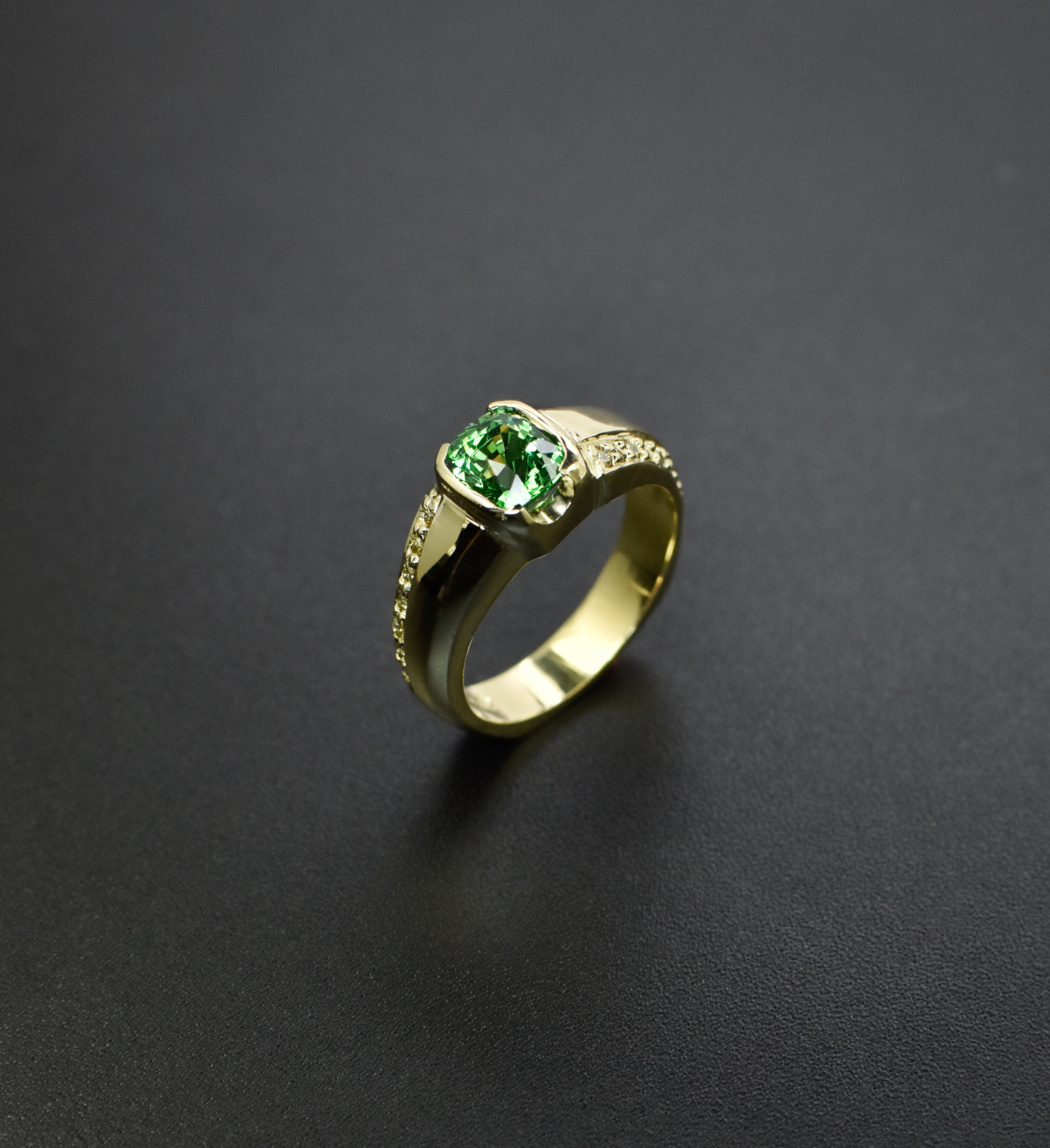 tsavorite_yellow_diamond_ring_2_dell_taylor.jpg