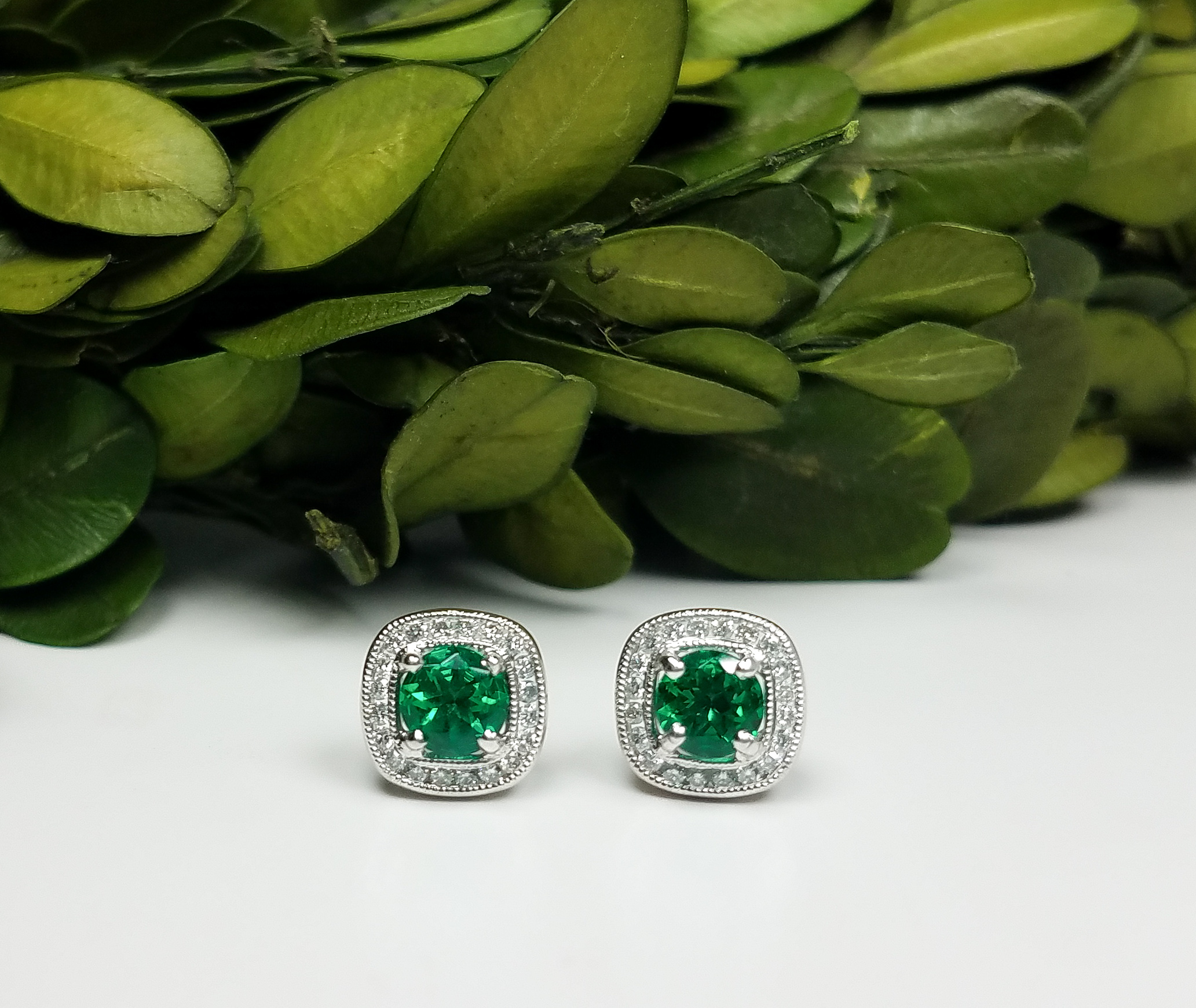 emerald_diamond_studs_redford_jewelers_holiday_2018.jpeg